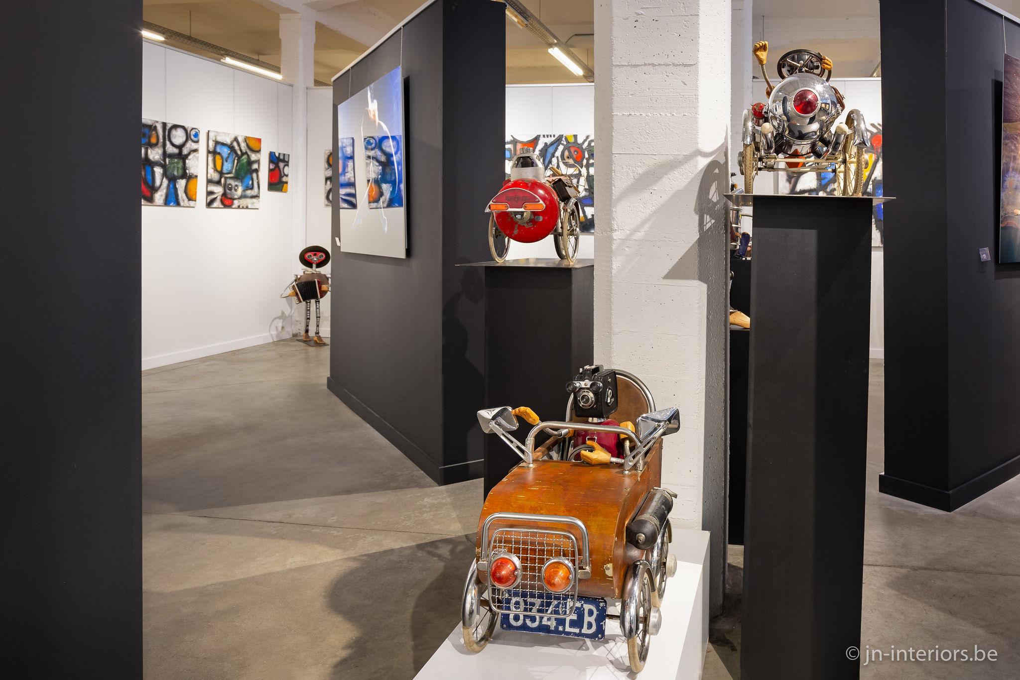oeuvres d'art, exposition art, voitures mécaniques, robot, tableaux, artistes belges, magasin de décoration, jn interiors, jour et nuit liège verviers