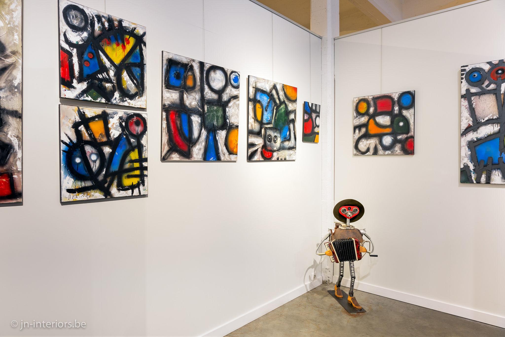 tableaux colorés, artiste belge, vernissage, galerie d'art, art abstrait, tableau rouge bleu jaune, exposition d'art, jn interiors, jour et nuit liège verviers